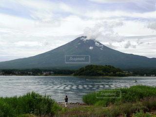 富士山 湖畔の写真・画像素材[3531259]