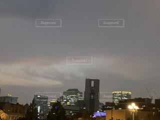夜の都市の写真・画像素材[3626338]