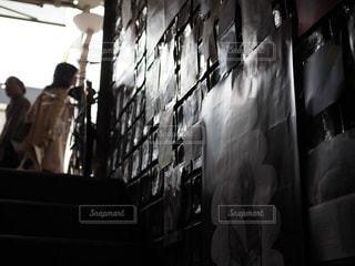 喫茶店に続く階段の写真・画像素材[3515273]