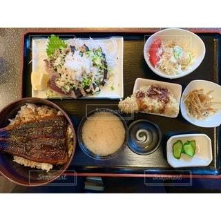様々な種類の食べ物の束の写真・画像素材[3512531]