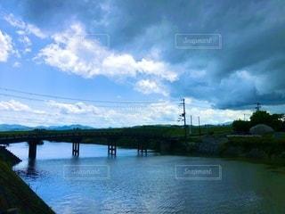 川に架かる橋の写真・画像素材[3521469]