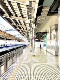 新幹線ホームの写真・画像素材[3546259]