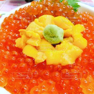 皿の上の食べ物のクローズアップの写真・画像素材[3514786]