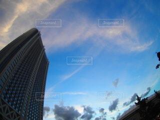 高い建物の眺めの写真・画像素材[3723039]