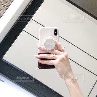 In the mirrorの写真・画像素材[4318545]
