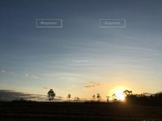 日の出の写真・画像素材[3521696]