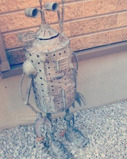 古びたブリキのロボットの写真・画像素材[3529570]