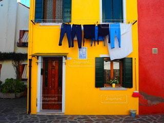 ブラーノ島の黄色い家の写真・画像素材[3546822]