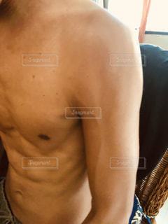 上半身裸の男性の写真・画像素材[1518617]