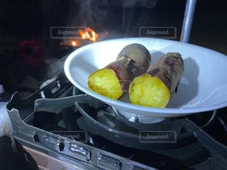 焼き芋の写真・画像素材[3574018]