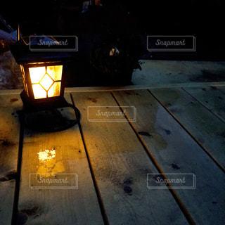 夜のライトアップされた街の写真・画像素材[1444058]