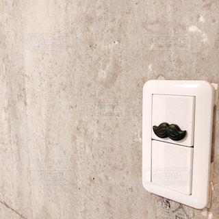 近くのドアのアップの写真・画像素材[1444065]