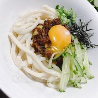 ジャージャー麺の写真・画像素材[3581268]