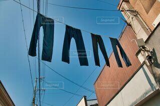 青空とジーンズの写真・画像素材[3654188]