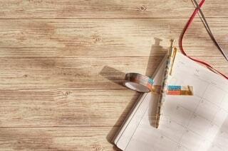 充実した手帳時間、お気に入りのペン、マスキングテープでどんな予定をたようかの写真・画像素材[3623330]
