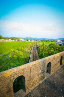 ローカル線に架かる石橋の写真・画像素材[3600033]