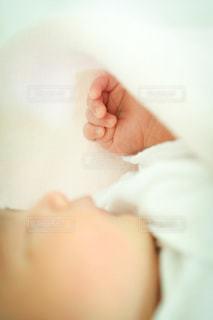 赤ちゃんの小さな手の写真・画像素材[3606381]