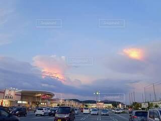 夕暮れと雲の写真・画像素材[3622889]