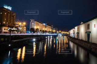 夜の小樽運河の写真・画像素材[4305305]