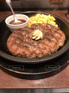いきなりステーキのワイルドハンバーグの写真・画像素材[3622921]