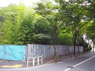街中にある空き地の写真・画像素材[3697731]