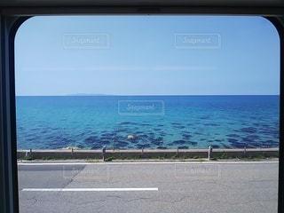 羽越本線からの日本海(海里)の写真・画像素材[3639859]