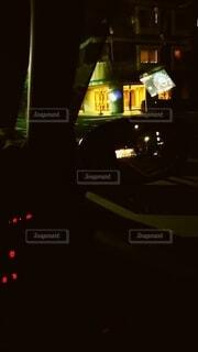 車内から見える光の数々の写真・画像素材[3658868]