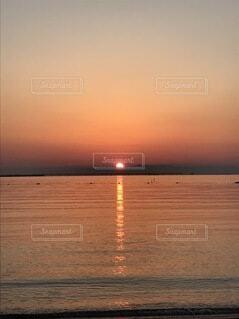 海と夕陽の写真・画像素材[3696272]