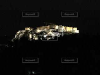 闇に浮かぶパルテノン神殿の写真・画像素材[848414]
