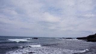 冷たい冬の海の写真・画像素材[3657123]