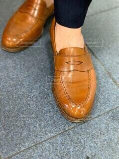 革靴の足元の写真・画像素材[3661554]