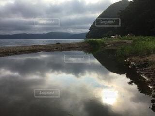 鏡の写真・画像素材[3677180]
