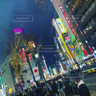 混雑した街の通りの写真・画像素材[3679137]
