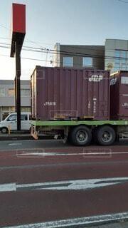 11/9 JR貨物コンテナ輸送中のトラックの写真・画像素材[3868314]