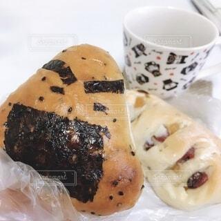 パンとコーヒー1杯の写真・画像素材[3678864]