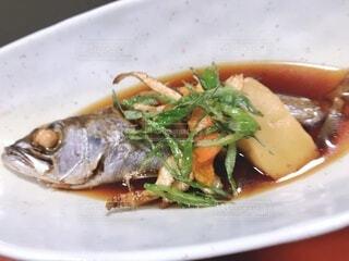 皿和食器と煮魚の写真・画像素材[3678887]
