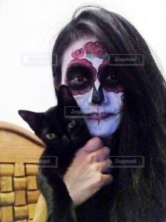 カトリーナと黒猫の写真・画像素材[3691604]