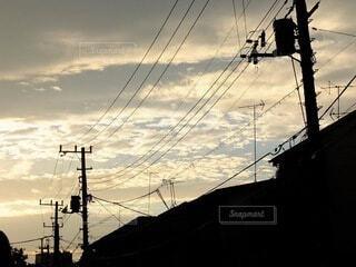 空と電線の写真・画像素材[3687409]