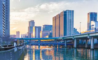 大江橋から見た堂島川と高層ビル群の夕景の写真・画像素材[1227127]