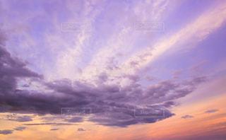空には雲のグループの写真・画像素材[1632963]
