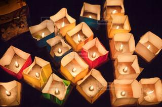広沢池の灯籠流しの写真・画像素材[2423415]