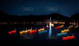広沢池の灯籠流しの写真・画像素材[2471864]