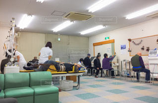 理学療法を受ける人々の写真・画像素材[3032464]