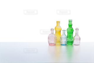 アンティークのボトルの写真・画像素材[3205235]