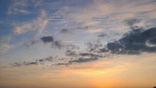 空の雲の群の写真・画像素材[3755003]