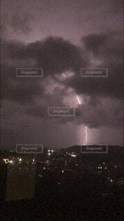 ある嵐の夜の写真・画像素材[3697891]