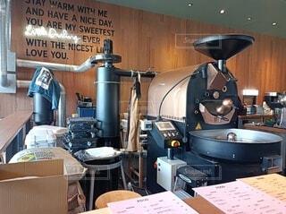 コーヒー豆の焙煎機の写真・画像素材[4408517]