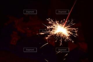 手持ち花火の写真・画像素材[3714185]