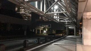 ビル 入り口 車寄せ タクシー バス 乗り場の写真・画像素材[3709783]