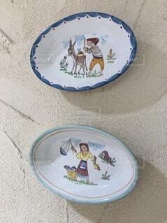 おしゃれな壁、デコレーションの皿、ヨーロッパ風の写真・画像素材[3820070]